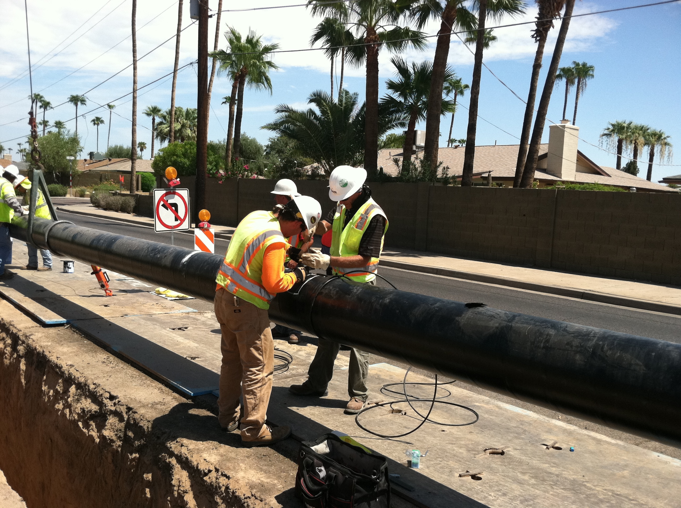 Pipeline test leads
